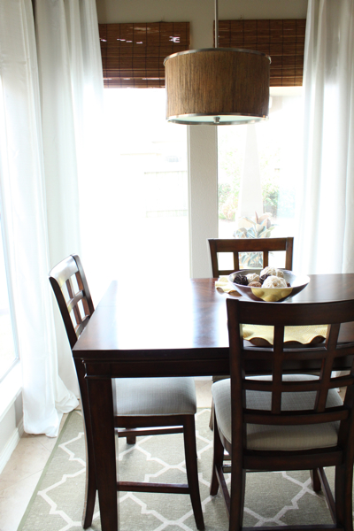 Breakfast Table | www.decorchick.com