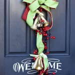 Not Your Average Christmas Wreath {Door Decor}