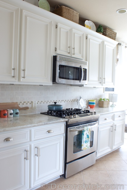 White Kitchen Cabinets the moment you've been waiting forour white kitchen makeover
