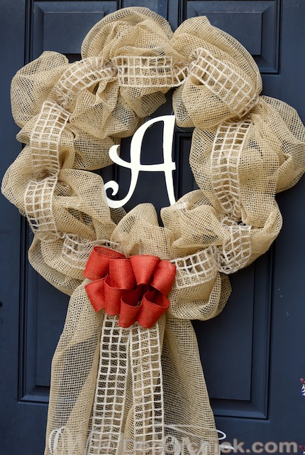 Burlap Wreath | www.decorchick.com