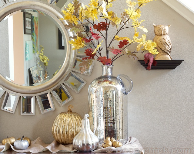 Fall Vignette and entry table | www.decorchick.com