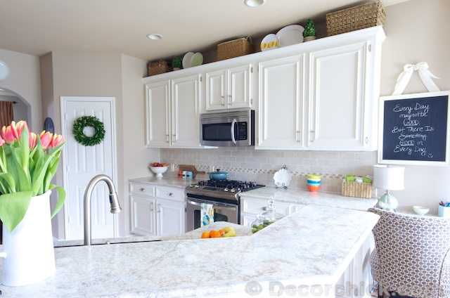 White Kitchen Makeover | www.decorchick.com