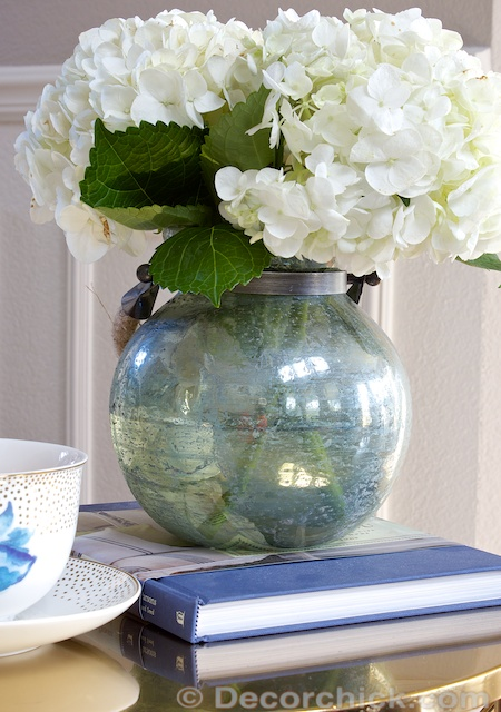 Hydrangeas in Blue Vase | www.decorchick.com