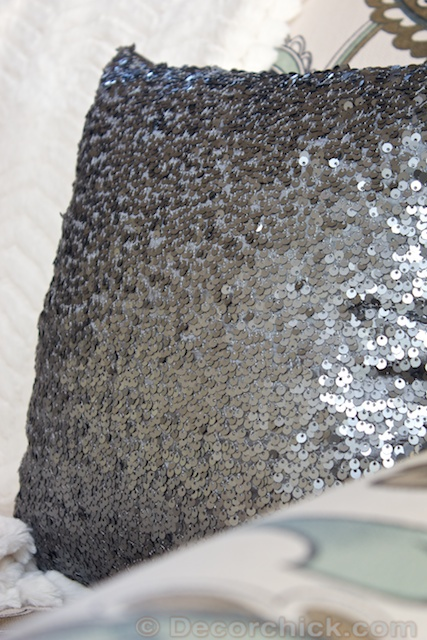 Sequin-Pillow | www.decorchick.com