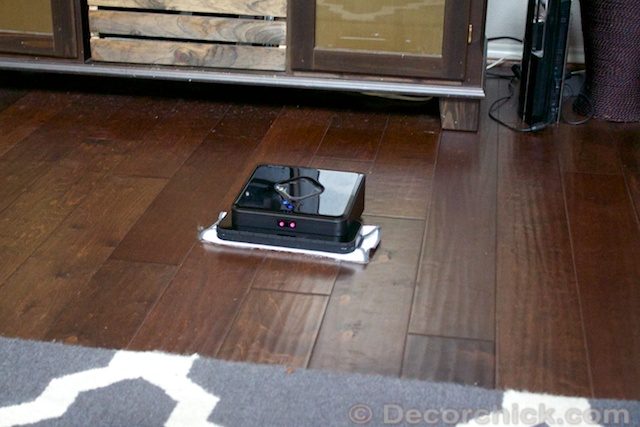 Robot-Cleaning-Floors
