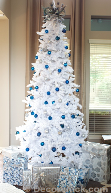 Blue and Silver Christmas Tree | www.decorchick.com