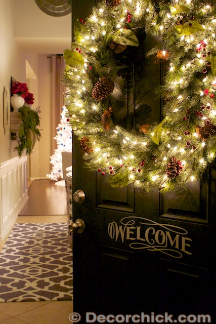 Christmas Door to Home Tour | www.decorchick.com
