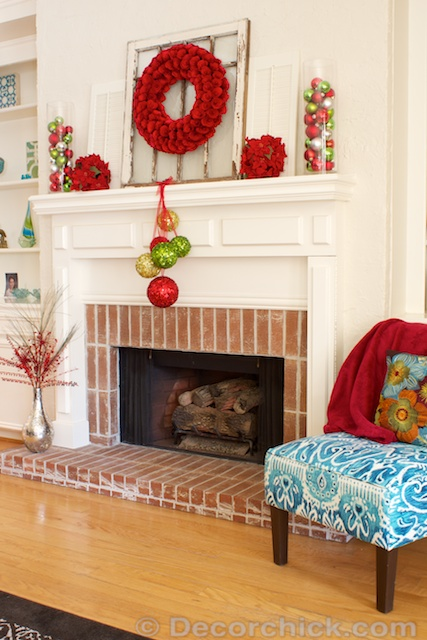 Christmas Mantel Fireplace | www.decorchick.com
