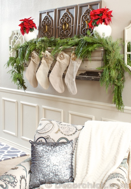 Christmas Mantel Shelf | www.decorchick.com