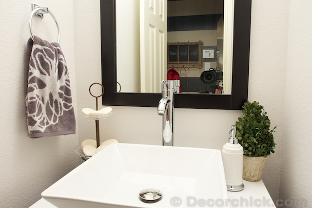 Bathroom Makeover | www.decorchick.com
