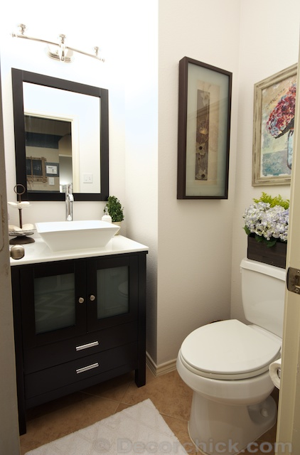 Powder Bathroom Makeover | www.decorchick.com