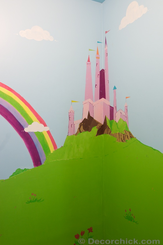 Castle and Rainbow Mural inside Dream Closet | www.decorchick.com