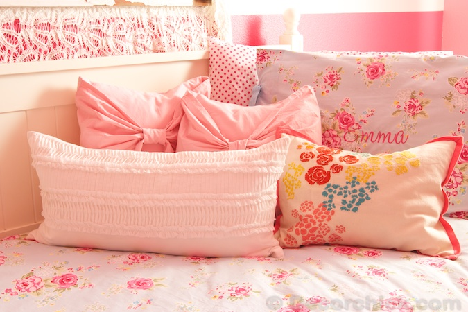 Floral Girl Bedding | www.decorchick.com