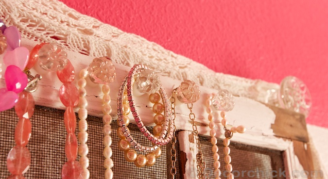 Jewelry Hanger with Crystal Knobs | www.decorchick.com