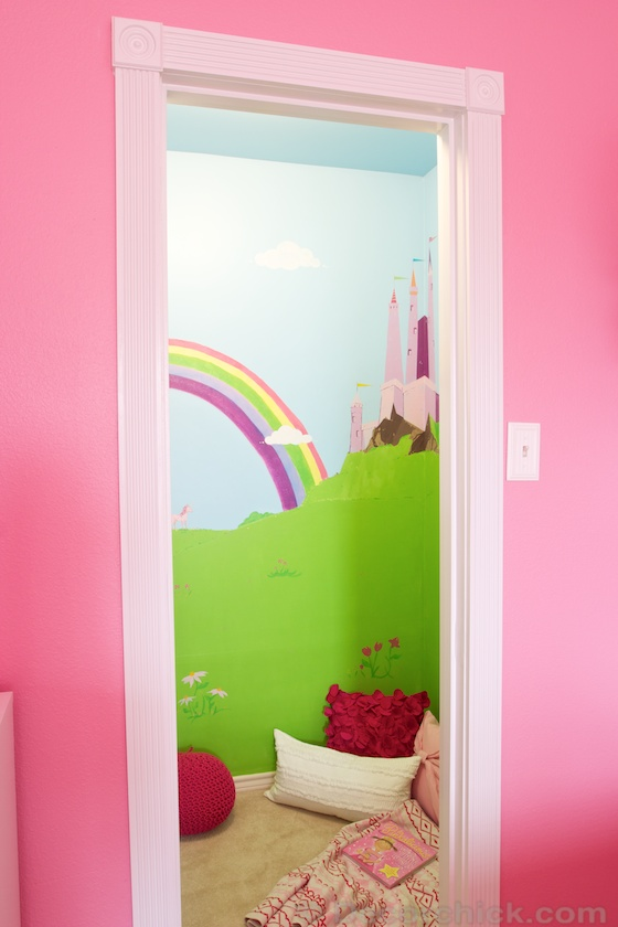 Magical Castle Closet and Play Area | www.decorchick.com
