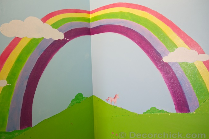 Painted Rainbow Closet Mural | www.decorchick.com