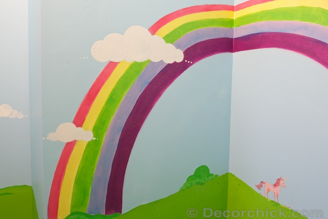 Rainbow Mural | www.decorchick.com