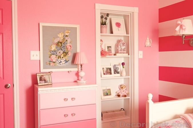 Room With Hidden Bookshelf Door | www.decorchick.com