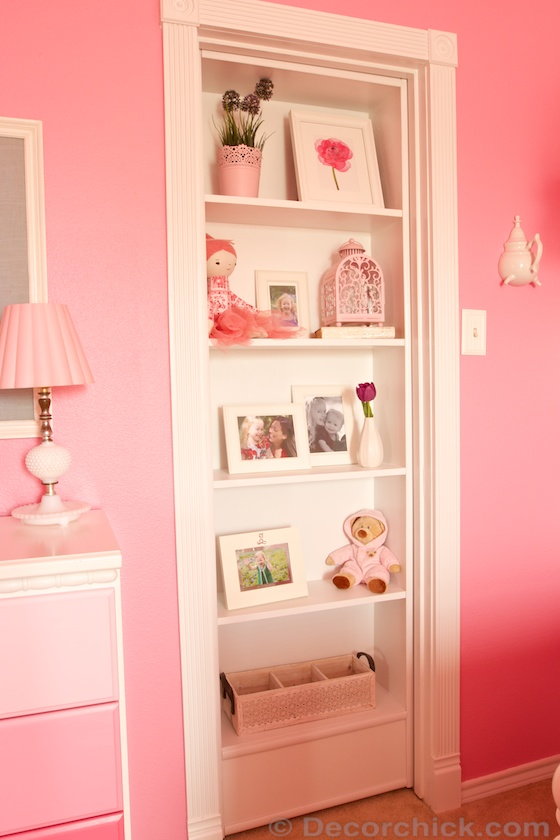 Hidden Door Bookcase Opens Up To a Magical Castle Closet | www.decorchick.com