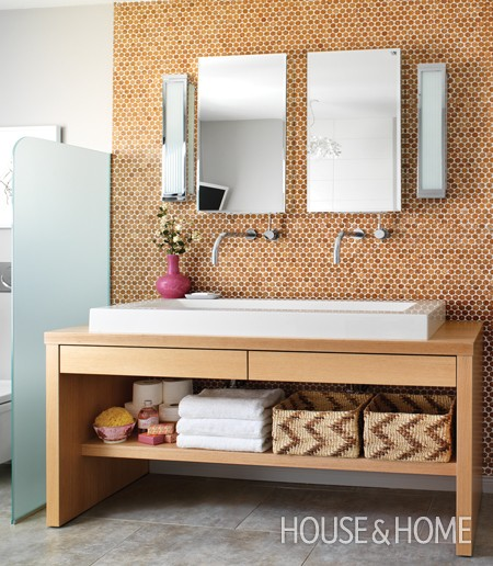 Penny Tiled Accent Wall | www.decorchick.com