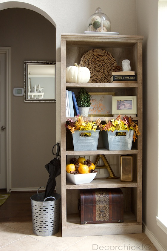 Bookcase decorated for Fall | Decorchick!®