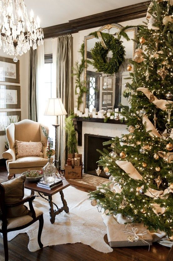 Christmas Ideas Decorated With Greenery | Decorchick!®