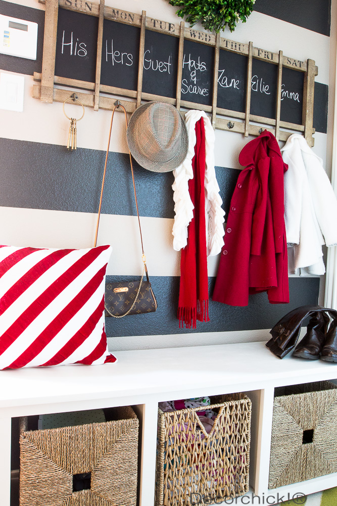 Christmas Hallway/Mudroom | Decorchick!®