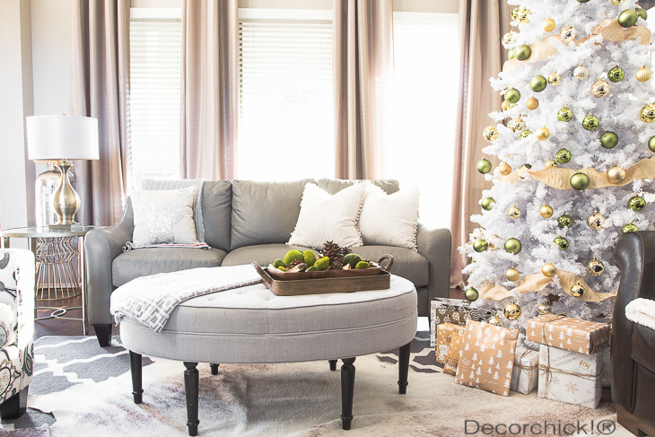 Holiday Decor in Living Room | Decorchick!®