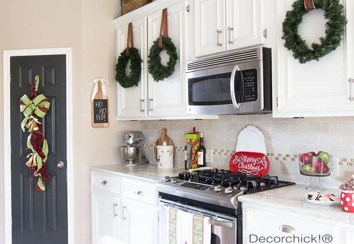 White Christmas Kitchen | Decorchick!®