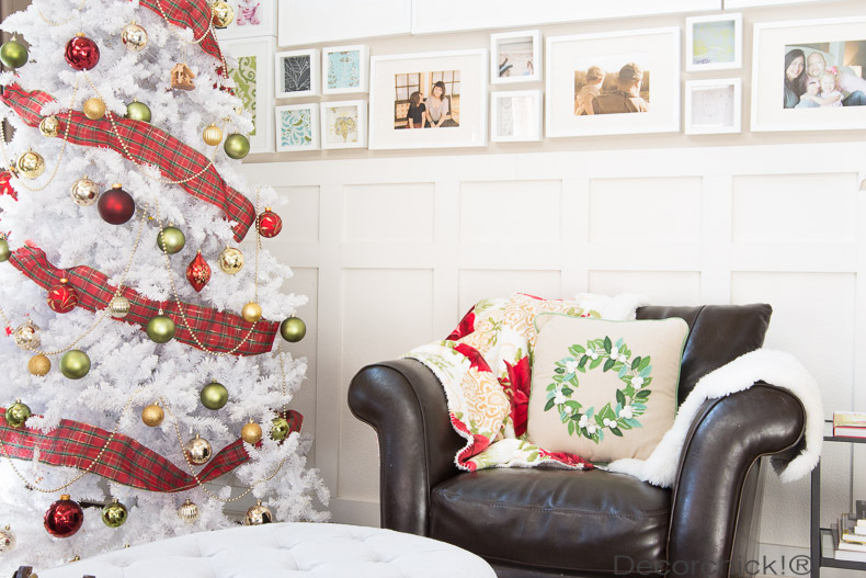 Red and White Christmas Tree | Decorchick!®