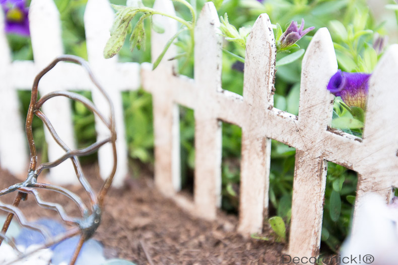 Stained Picket Fence   Decorchick!®