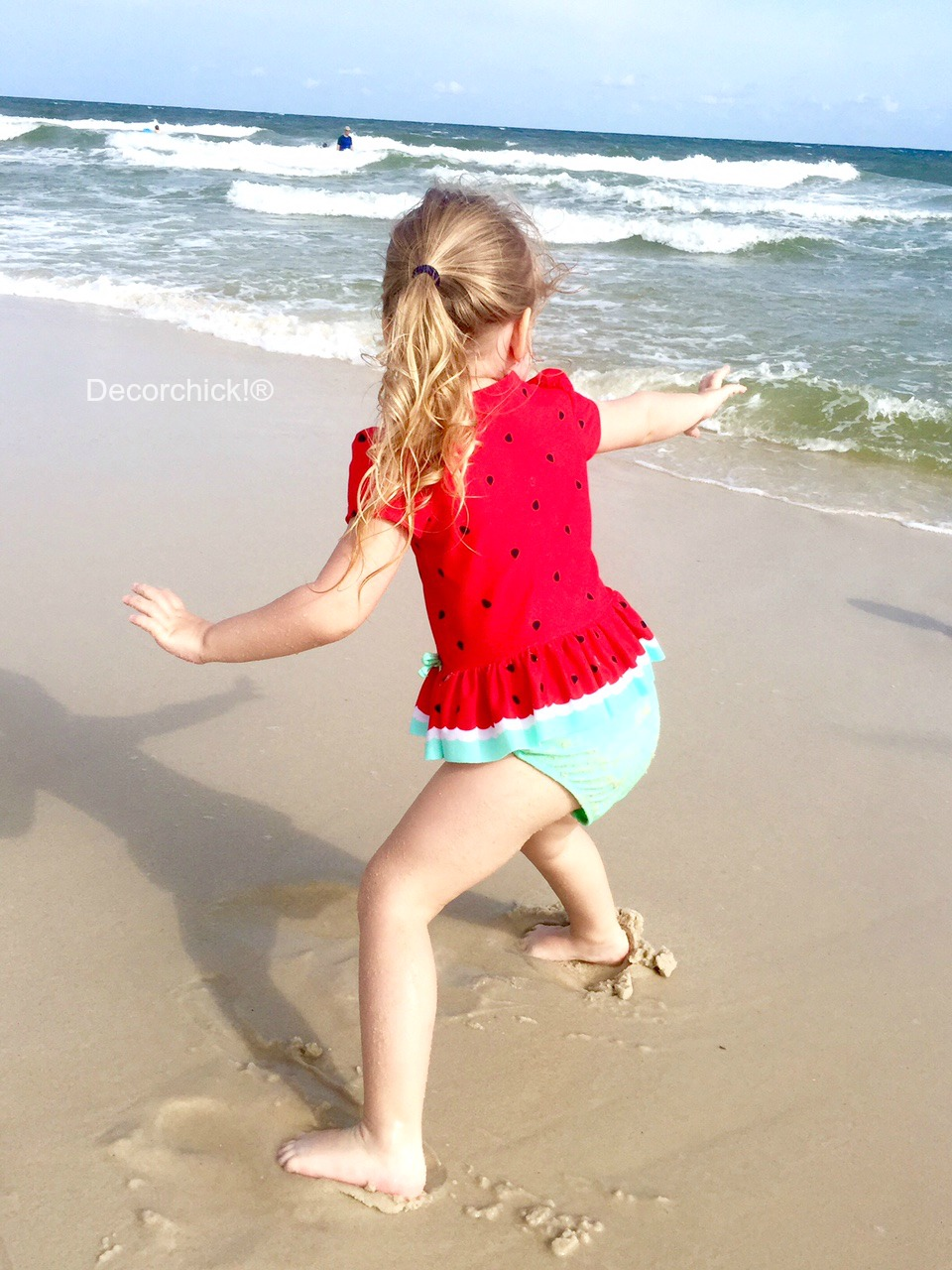 Ellie Surfing | Decorchick!®