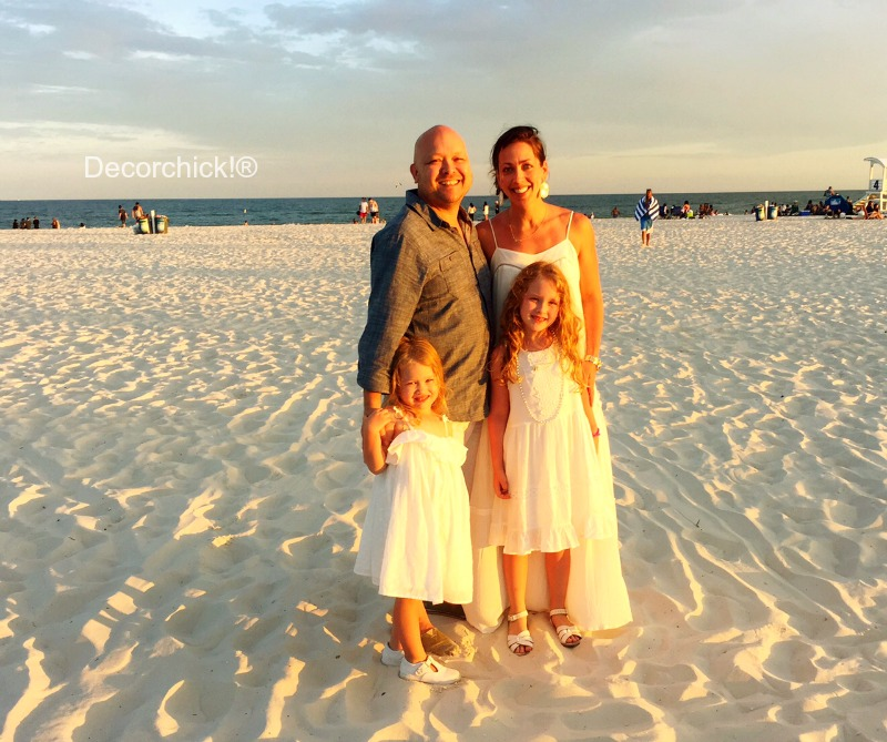 Family Picture on Beach | Decorchick!®